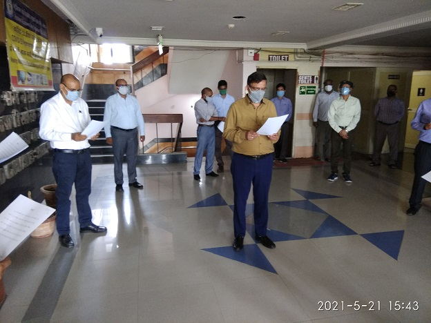 Anti-terrorism day was observed on 21 May 2021. Shri. M.K. Jhala, Joint Chief Explosive Controller and Head of Department administering the Pledge.